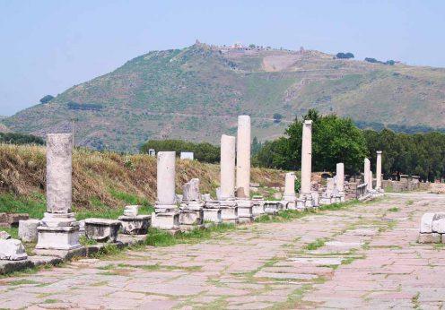 1920px-Pergamon_Acropolis