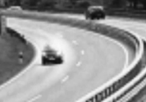 O maşină a dispărut în plin trafic