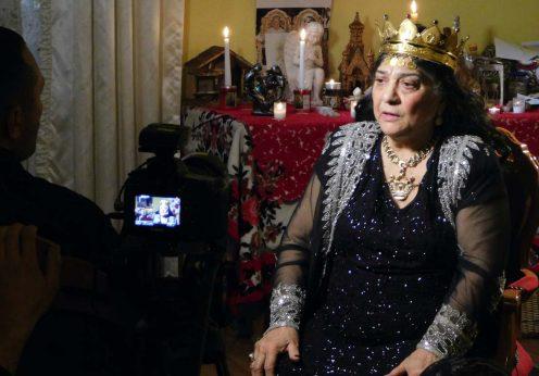 Maria Campina, regina Magiei Albe din Romania in altar