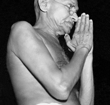Gandhi_hands_together