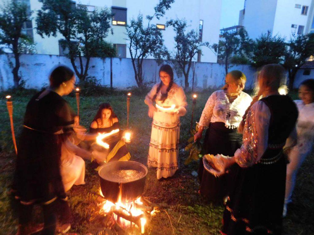 Regina Maria Campina la ritual de noapte