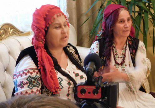 Tămăduitoarea Somna Valentina si vrăjitoarea Elena Minodora la interviu cu rușii