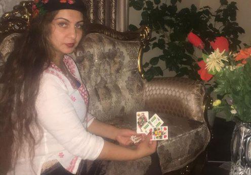 Clarvazatoarea Elisabeta din Craiova cu cartile