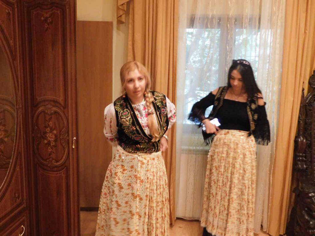 tămăduitoarea Sunita si Andreea Katerini