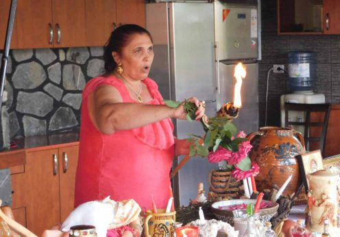 vrajitoarea Aurelia Ardeleanca in ritual de zi