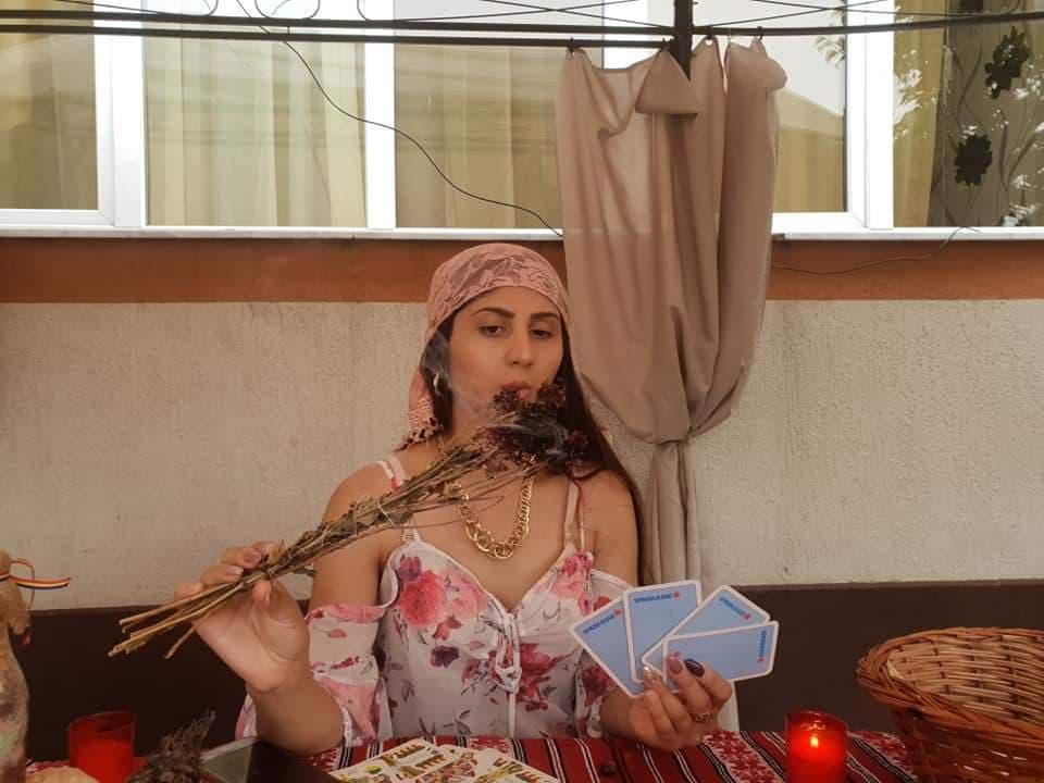 Vrăjitoarea Fatima, regina  de la Istanbul