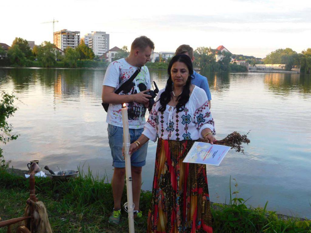vrajitoarea Sofia in ritual la balta